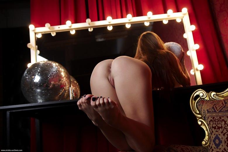 Zdjęcie porno - 073 - Dziewczyna do towarzystwa