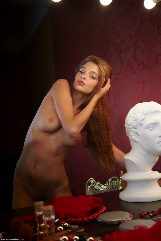 Zdjęcie porno - 084 - Dziewczyna do towarzystwa