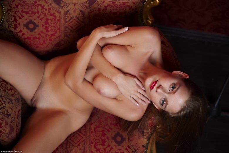 Zdjęcie porno - 114 - Dziewczyna do towarzystwa