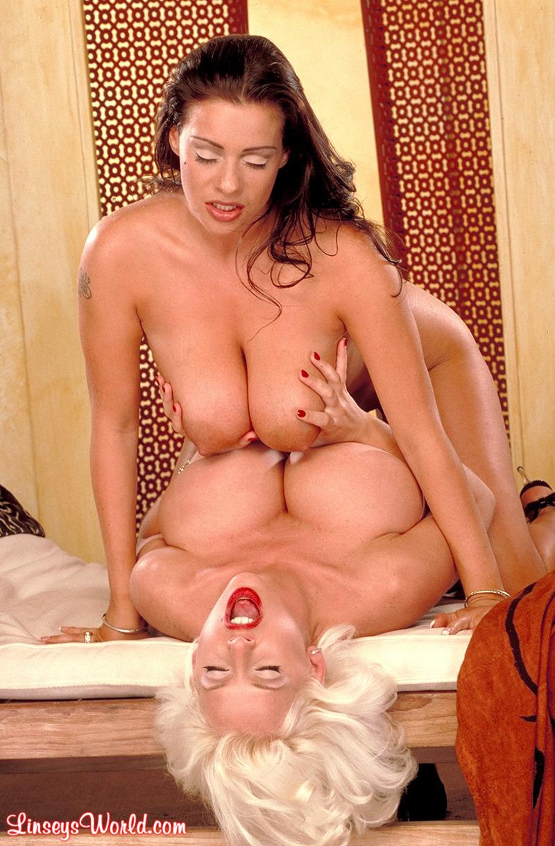 Zdjęcie porno - 1011 - Cztery ogromne cyce