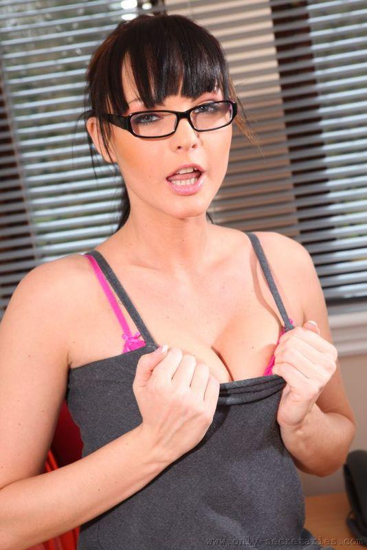 Zdjęcie porno - 0519 - Ostra sekretarka