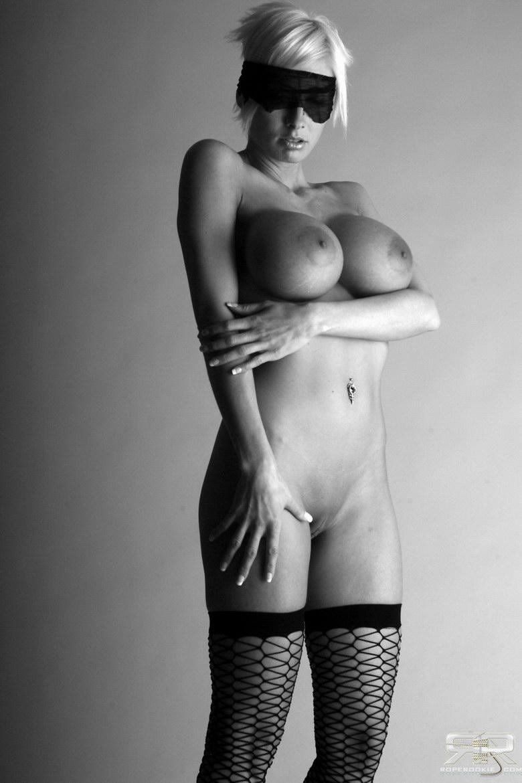 Zdjęcie porno - 041 - Zdominowana lala