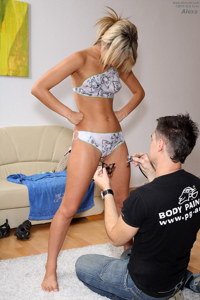 Zdjęcie porno - 13d - Malowanie ciała