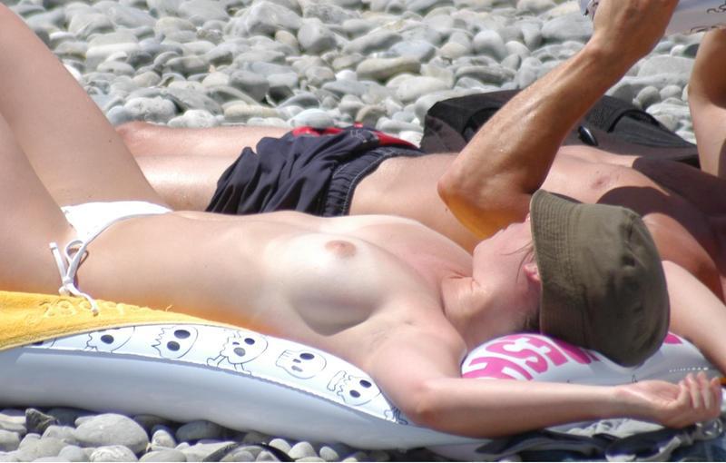 Zdjęcie porno - 042 - Amatorki na plaży