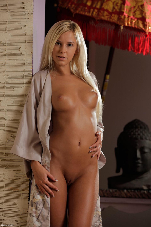 Zdjęcie porno - 051 - Opalona blondyna