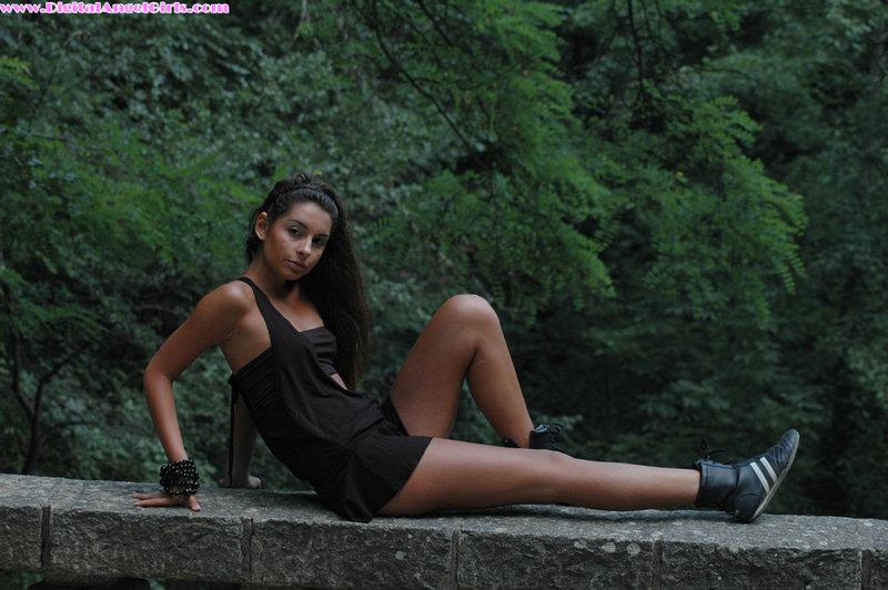Zdjęcie porno - 021 - Młoda dziewczyna w terenie