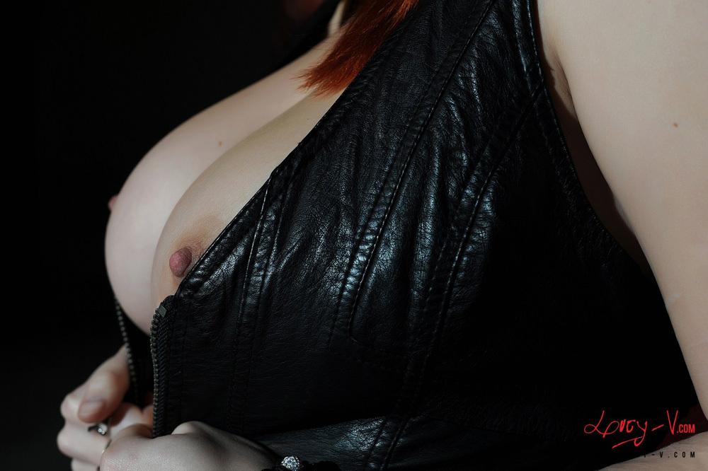 Zdjęcie porno - 0219 - Ruda z dużym biustem