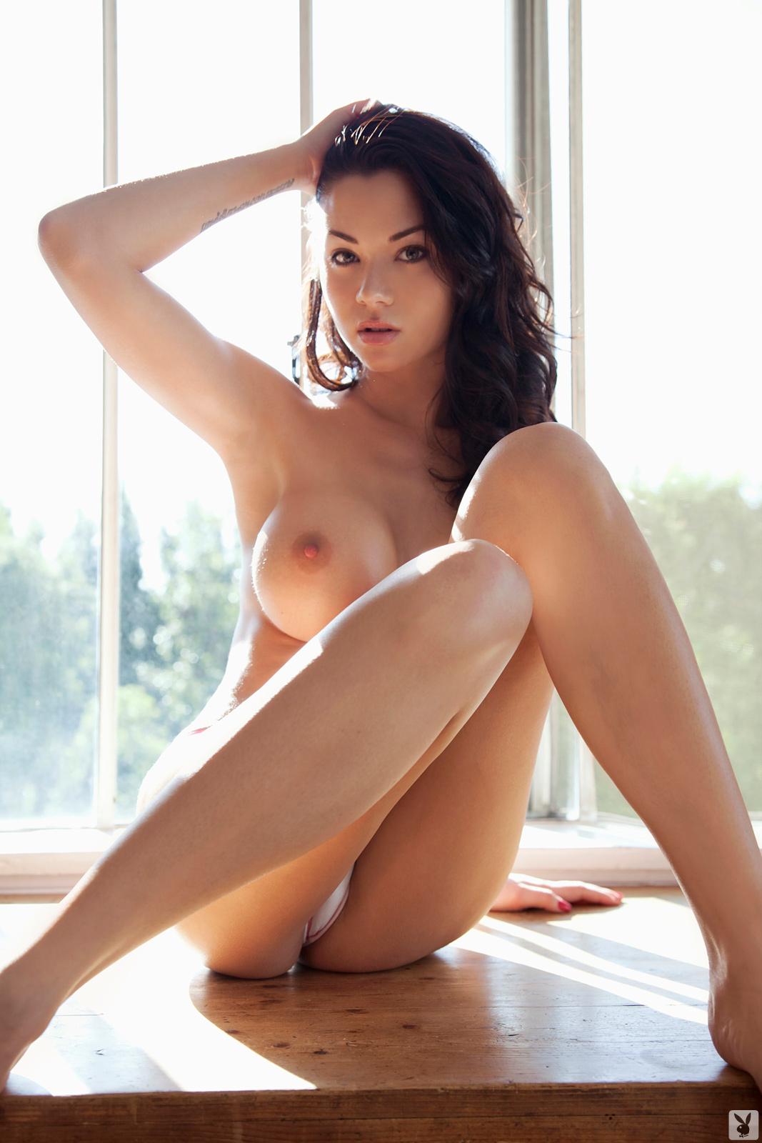 Zdjęcie porno - jennie reid   playboy plus original 003 - Brunetka z sylikonowymi cycami