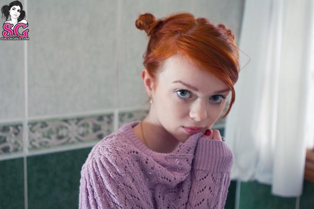 Zdjęcie porno - 00 12 - Duże oczka rudej nastolatki