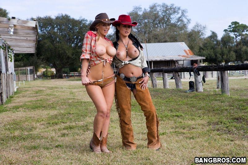 Zdjęcie porno - Cowgirls 03 - Cycate koleżanki