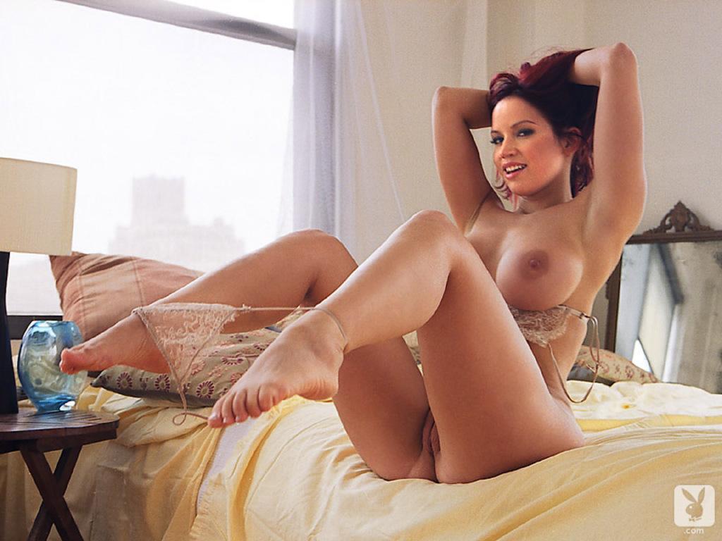 Zdjęcie porno - 017 - Ruda na łóżku