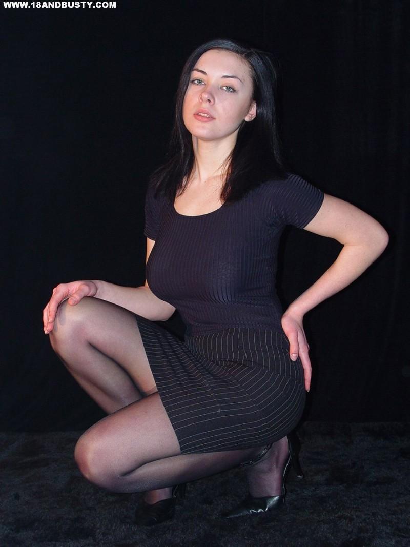 Zdjęcie porno - 009 - Amatorka przed obiektywem aparatu