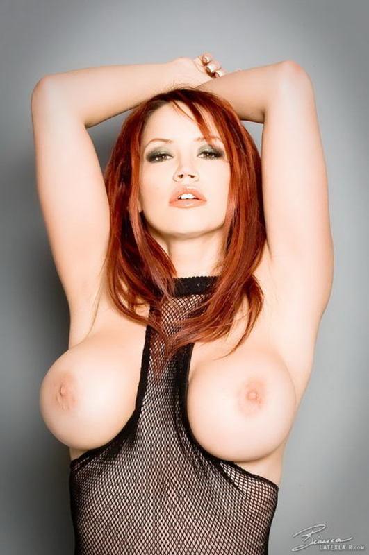 Zdjęcie porno - 0216 - Ruda z dużym biustem