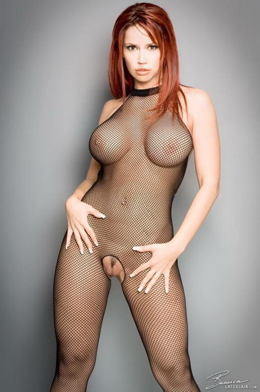 Zdjęcie porno - 0618 - Ruda z dużym biustem