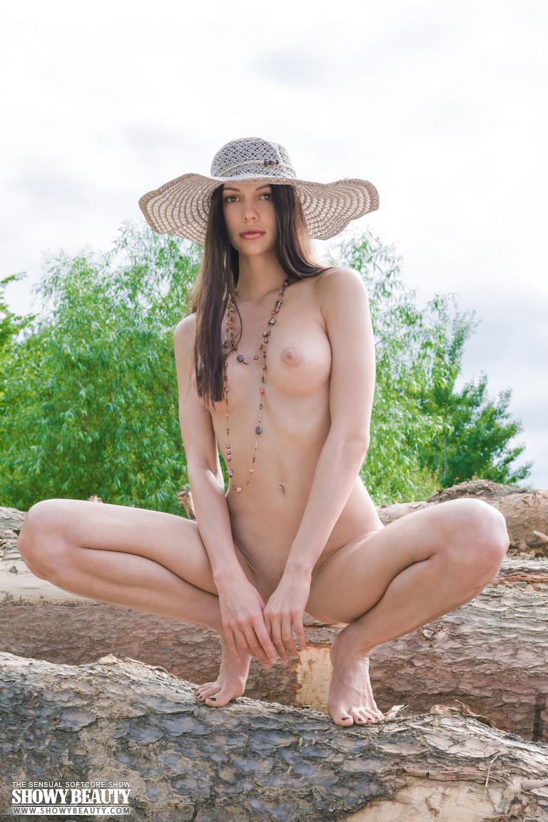 Zdjęcie porno - 103 - Laska w kapeluszu