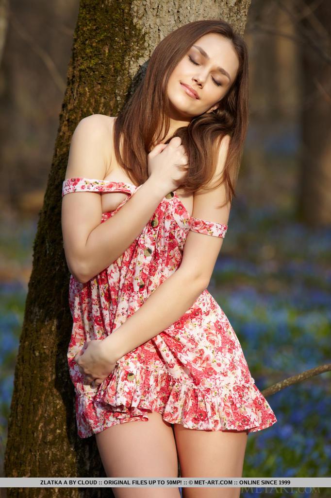 Zdjęcie porno - 0313 - Ruda w lesie