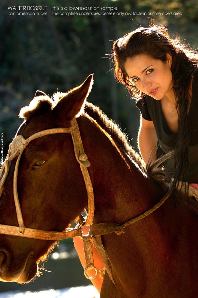 Zdjęcie porno - 032 - Brunetki na koniach