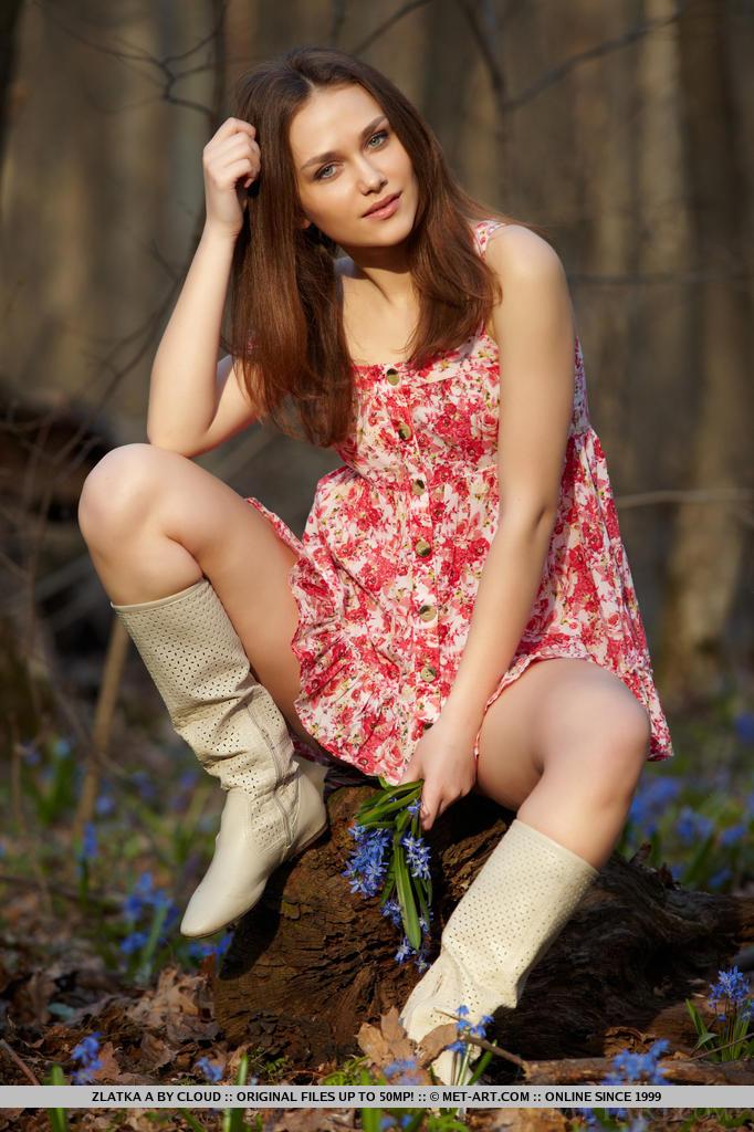 Zdjęcie porno - 0413 - Ruda w lesie