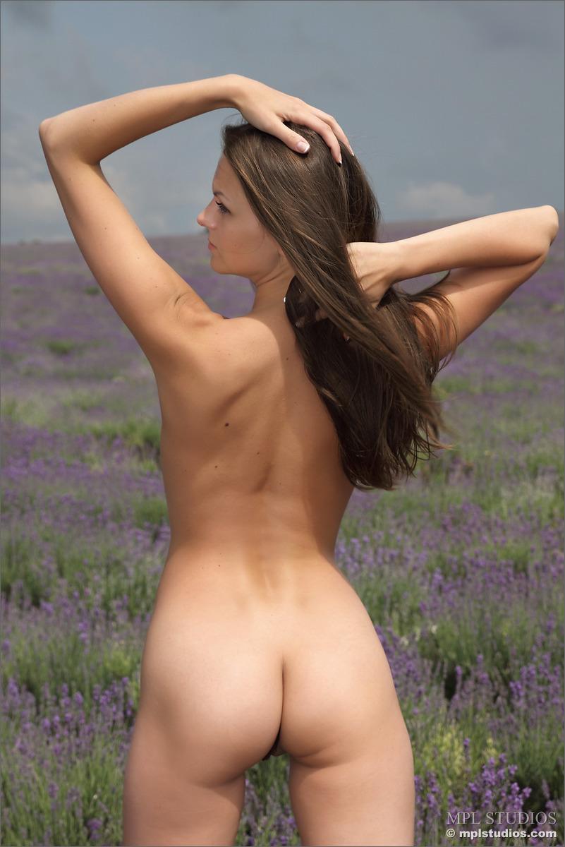 Zdjęcie porno - 046 - Dziewczyna z piękną buźką