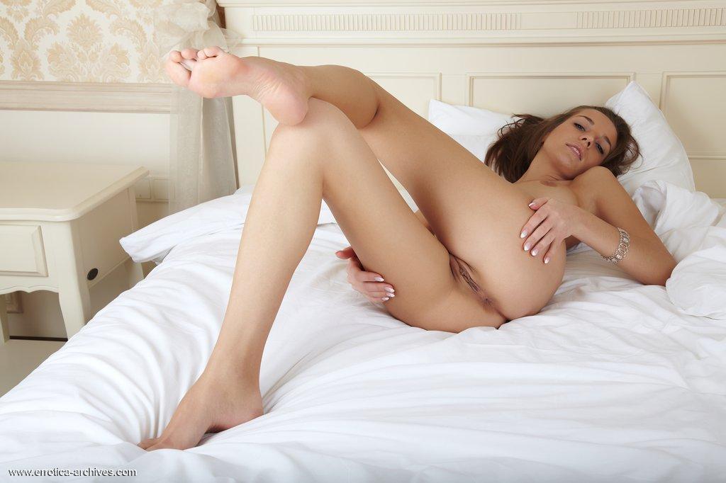 Zdjęcie porno - 1123 - Wydepilowana suczka