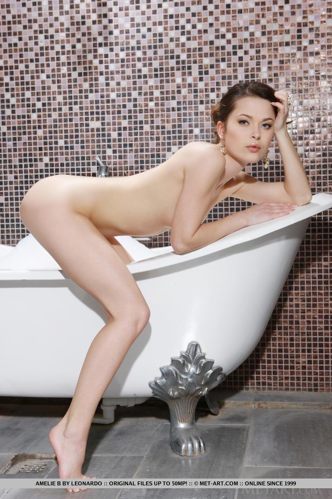Zdjęcie porno - 075 - Dupeczka w wannie