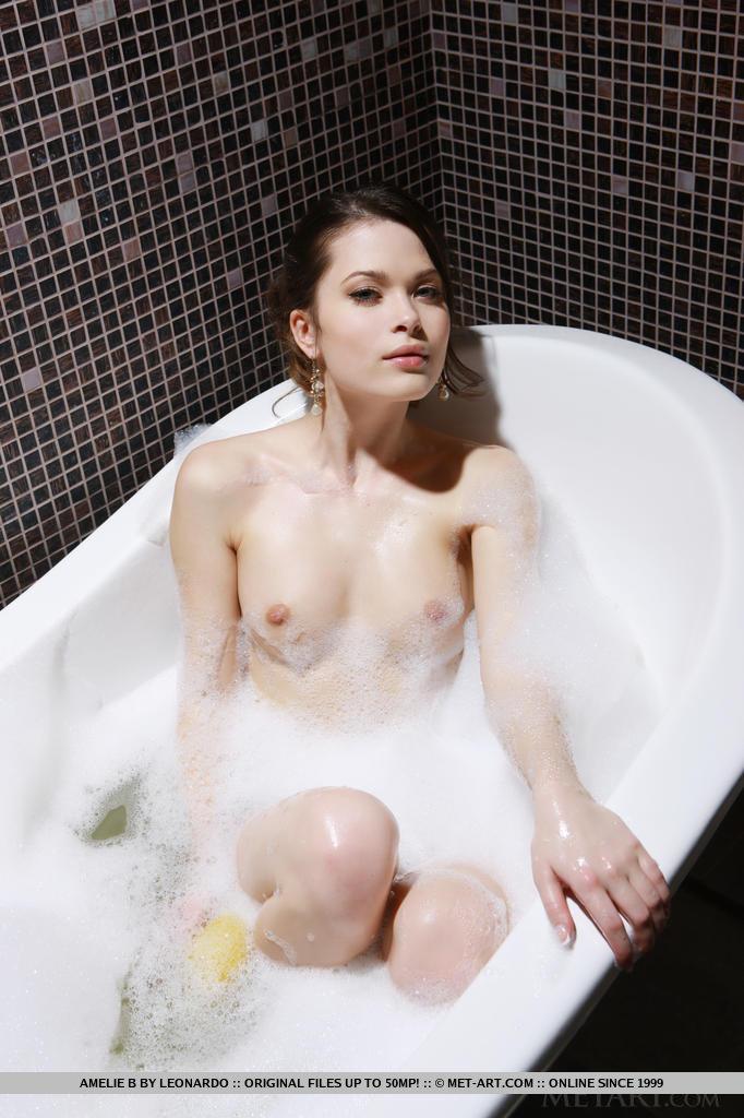 Zdjęcie porno - 154 - Dupeczka w wannie