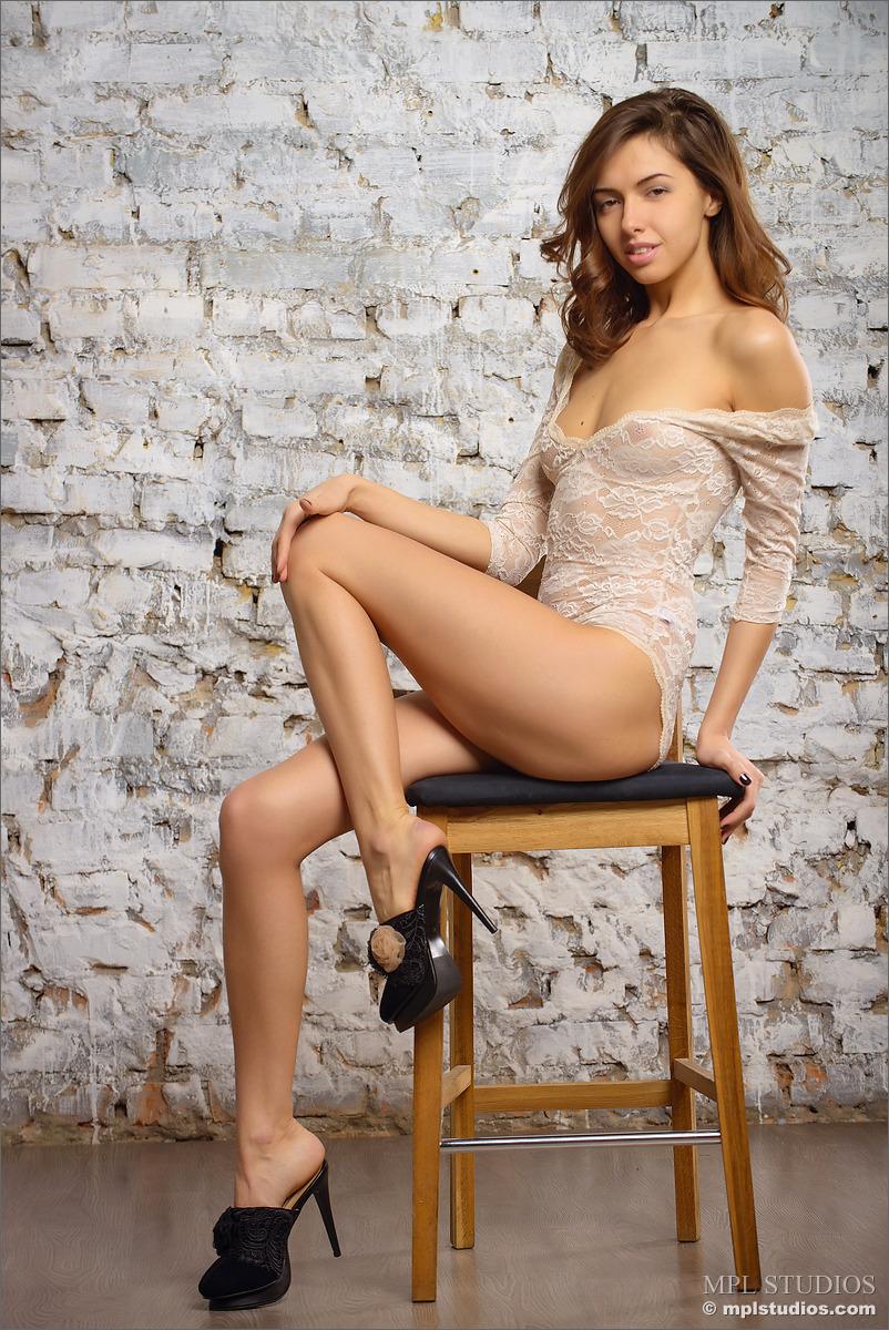 Zdjęcie porno - 029 - Słodka wysoka brunetka