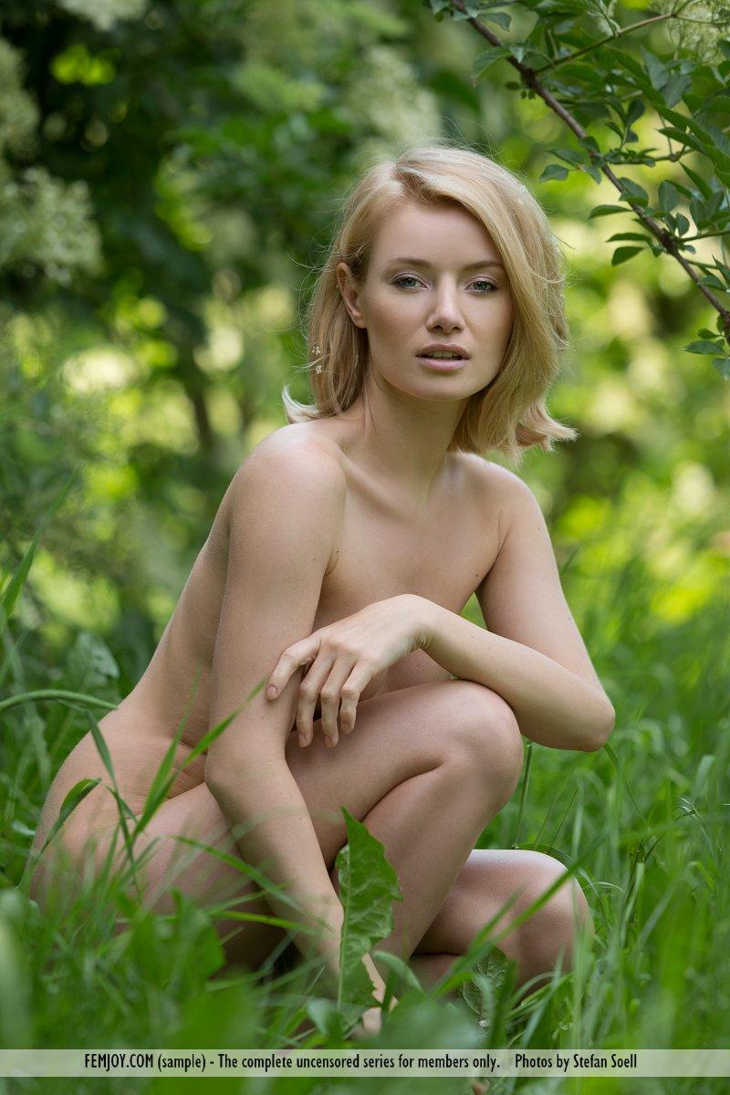 Zdjęcie porno - 103 - Naga ze zgrabnym tyłem