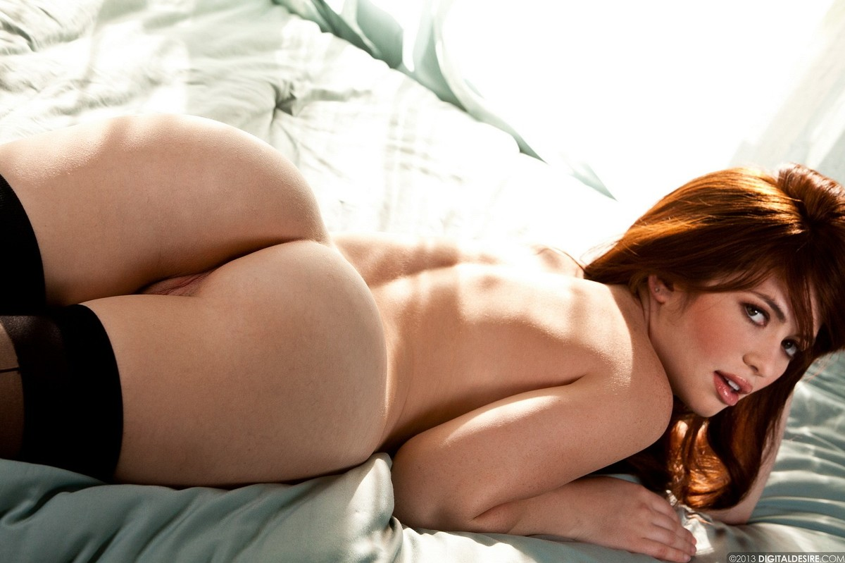 Zdjęcie porno - 157 - Ruda pokazuje brzuszek