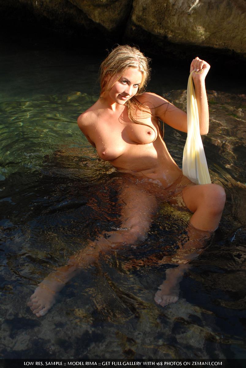 Zdjęcie porno - 125 - Opalona i mokra