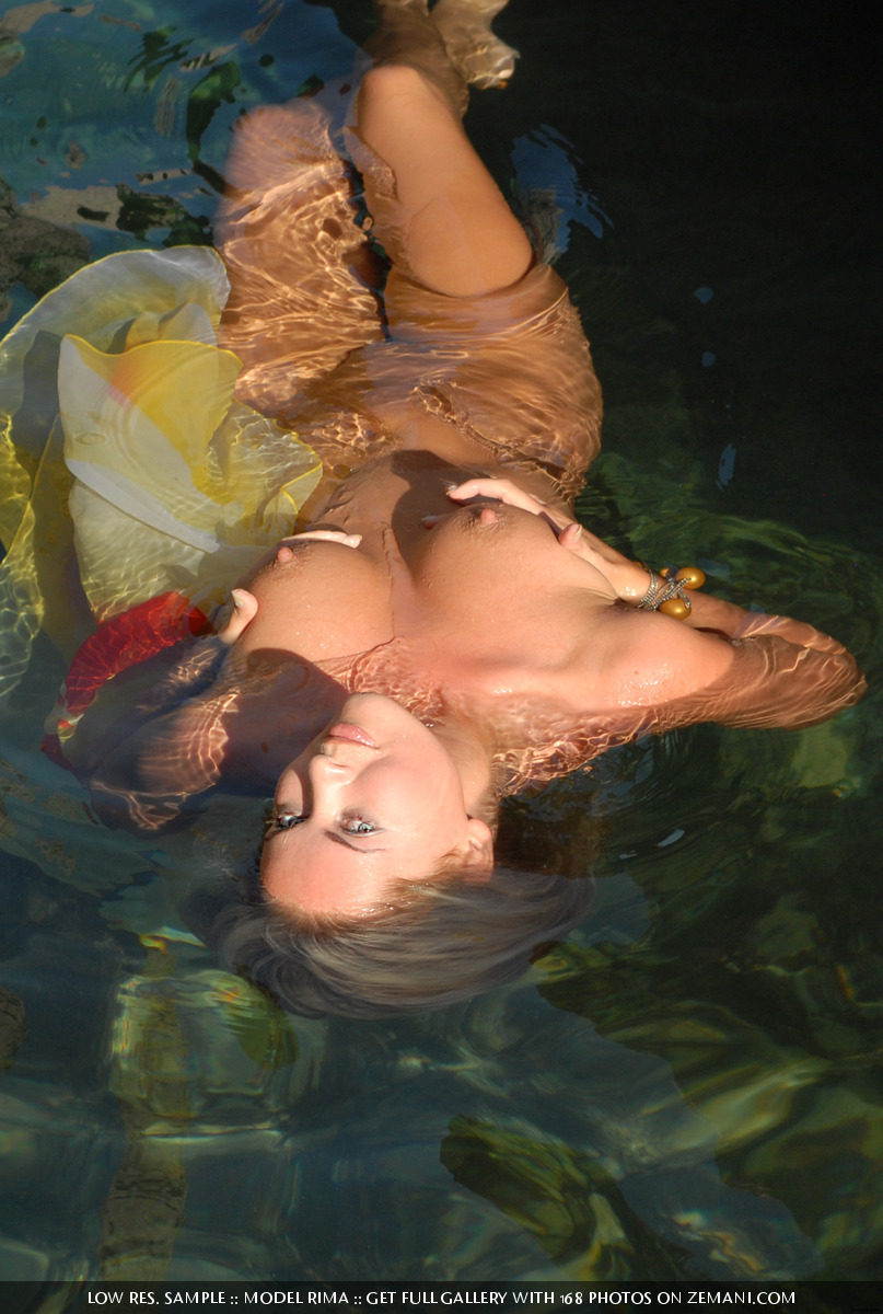 Zdjęcie porno - 163 - Opalona i mokra