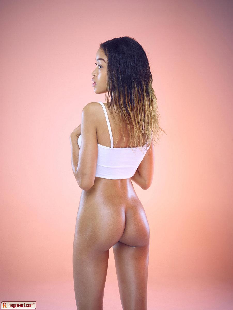Zdjęcie porno - 12 - Czekoladowa bogini