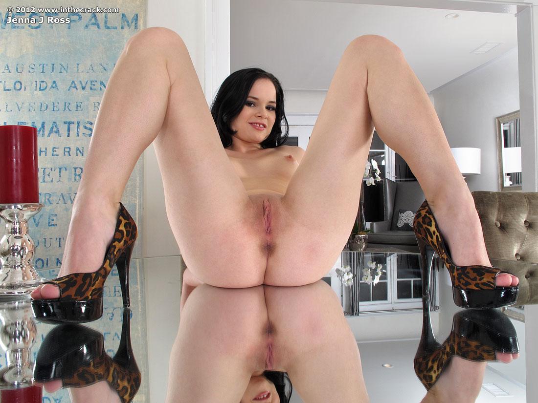 Zdjęcie porno - 1213 - Masturbacja na stole