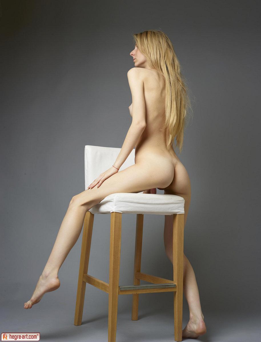 Zdjęcie porno - 129 - Mała pupcia i cycuszki