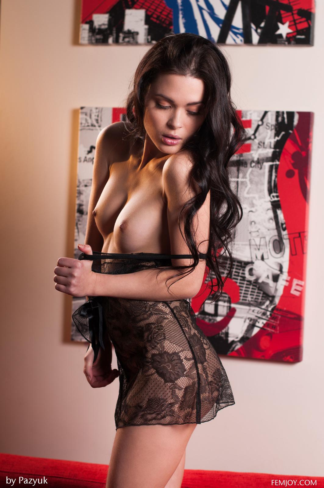 Zdjęcie porno - 123 - Zmysłowa z ciasną cipą