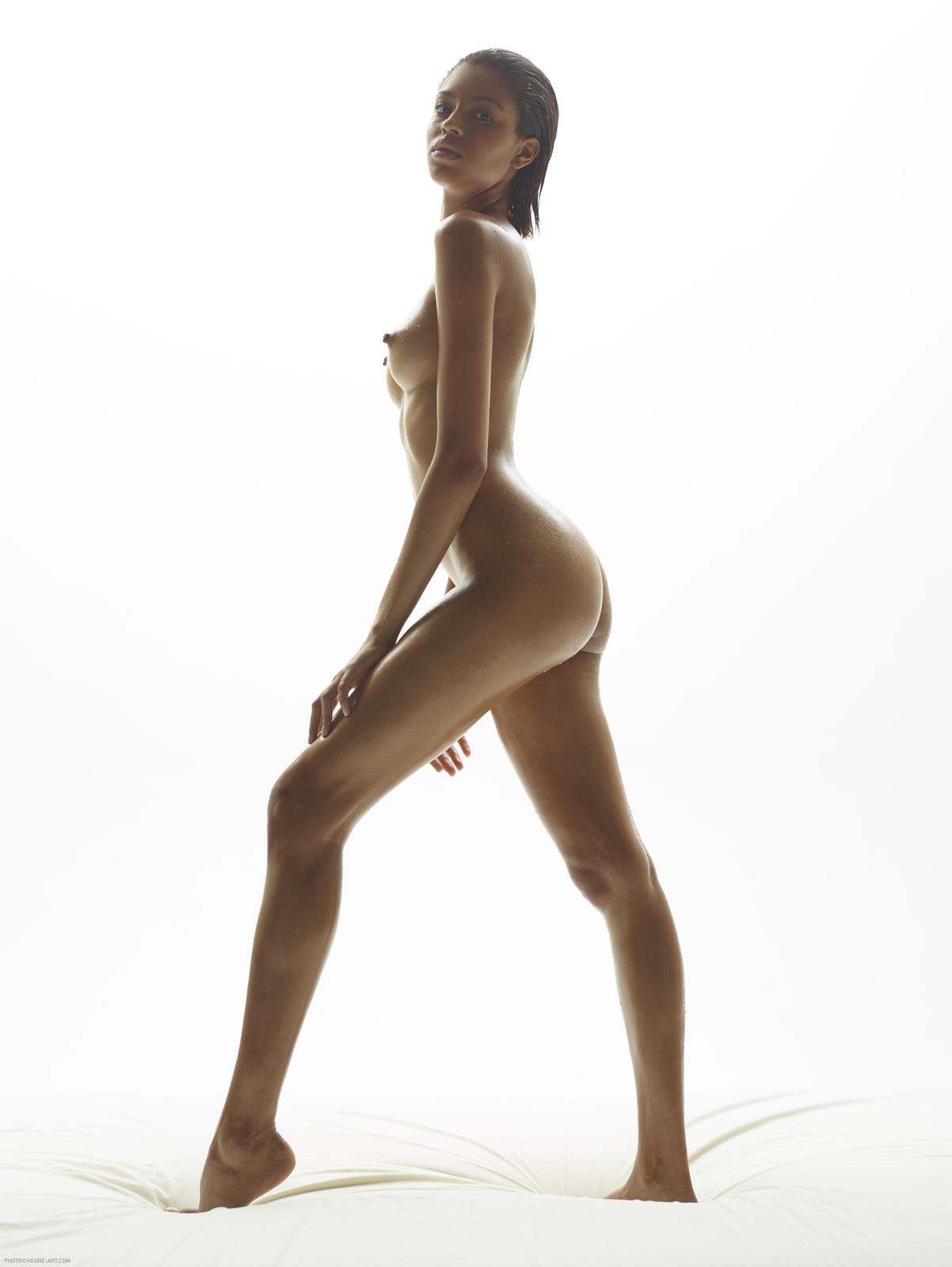 Zdjęcie porno - 161 - Bosko sterczące sutki laseczki