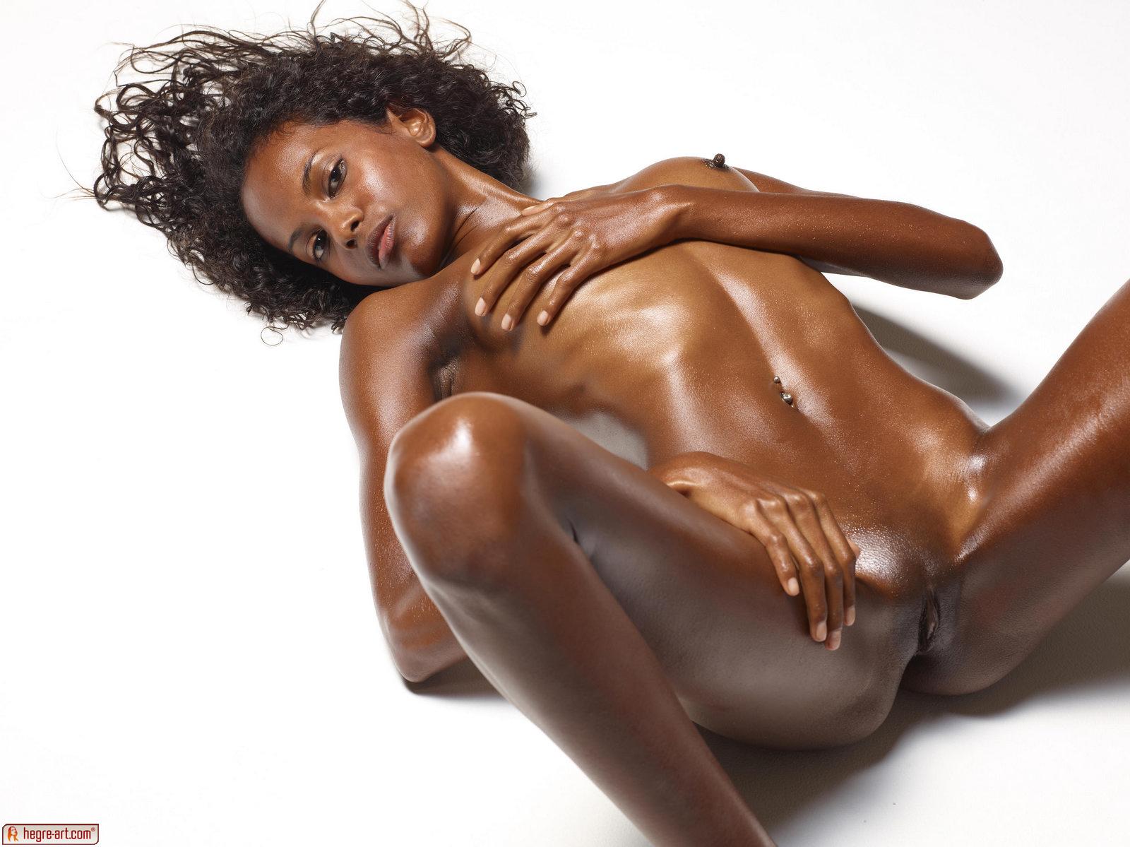 Zdjęcie porno - 058 - Nawilżona modelka