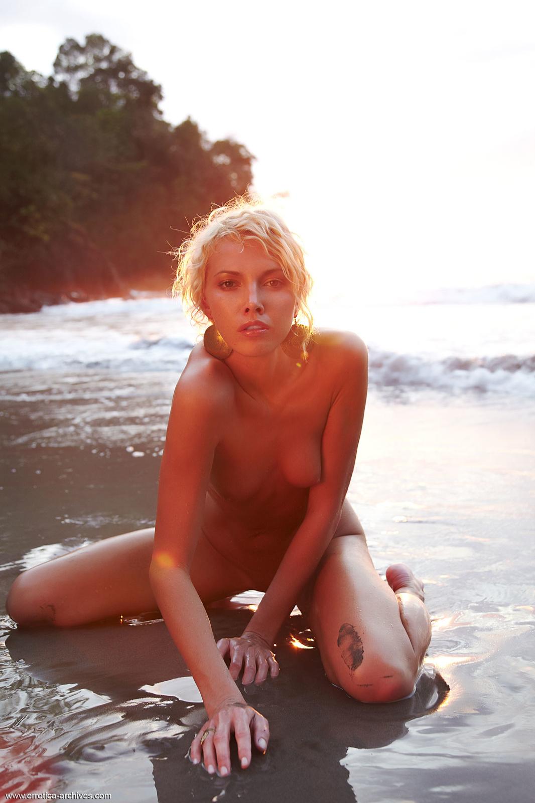 Zdjęcie porno - 0821 - Babeczka na plaży
