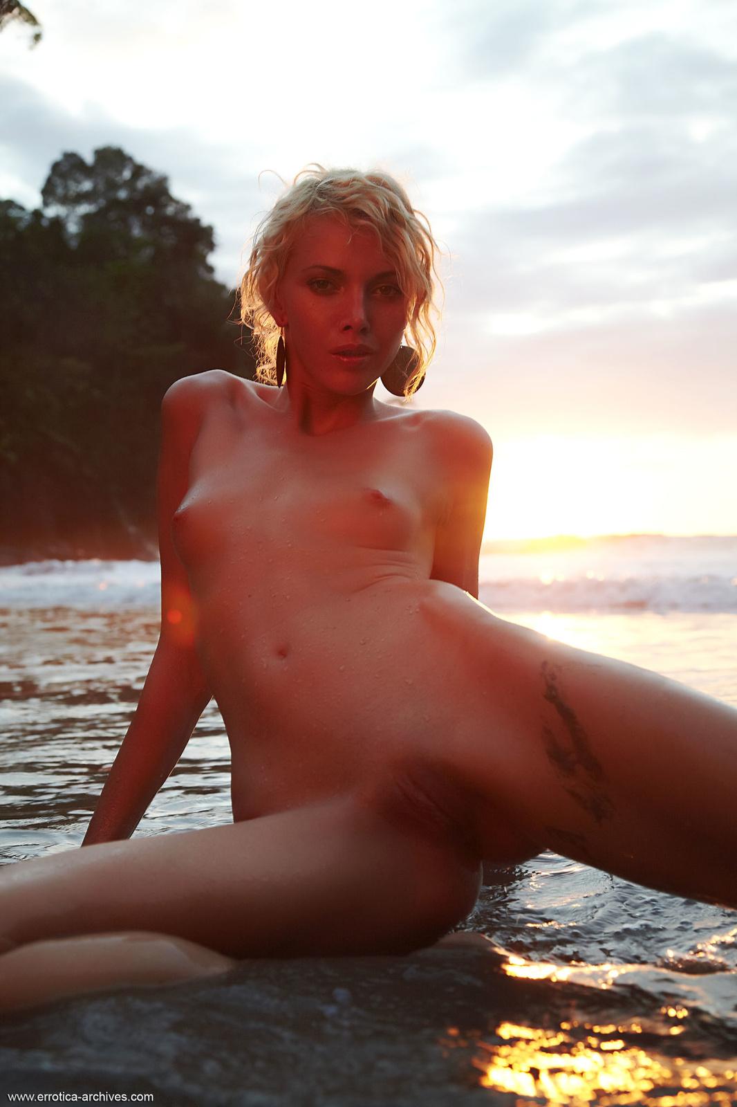 Zdjęcie porno - 0920 - Babeczka na plaży