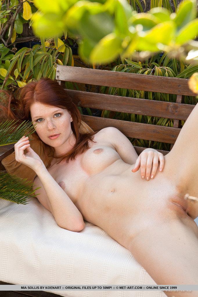 Zdjęcie porno - 1123 - Różowa szpara rudej pani