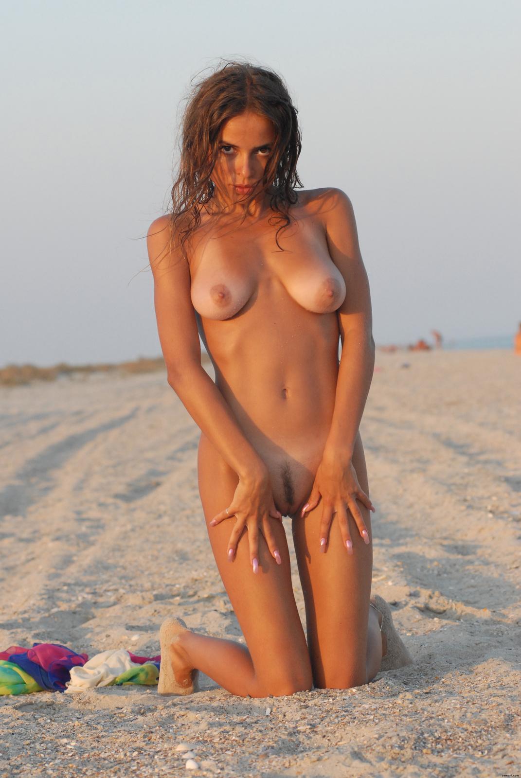 Zdjęcie porno - 021 - Naturalne piersi