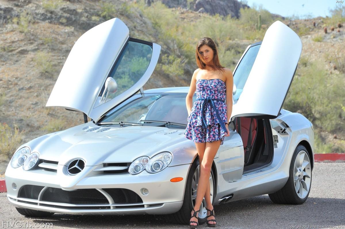 Zdjęcie porno - 117 - Laseczka w Mercedesie