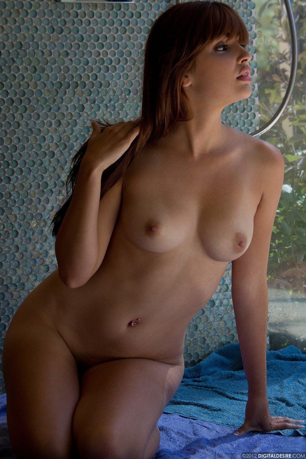 Zdjęcie porno - 1221 - Mokre ciałko zgrabnej modelki