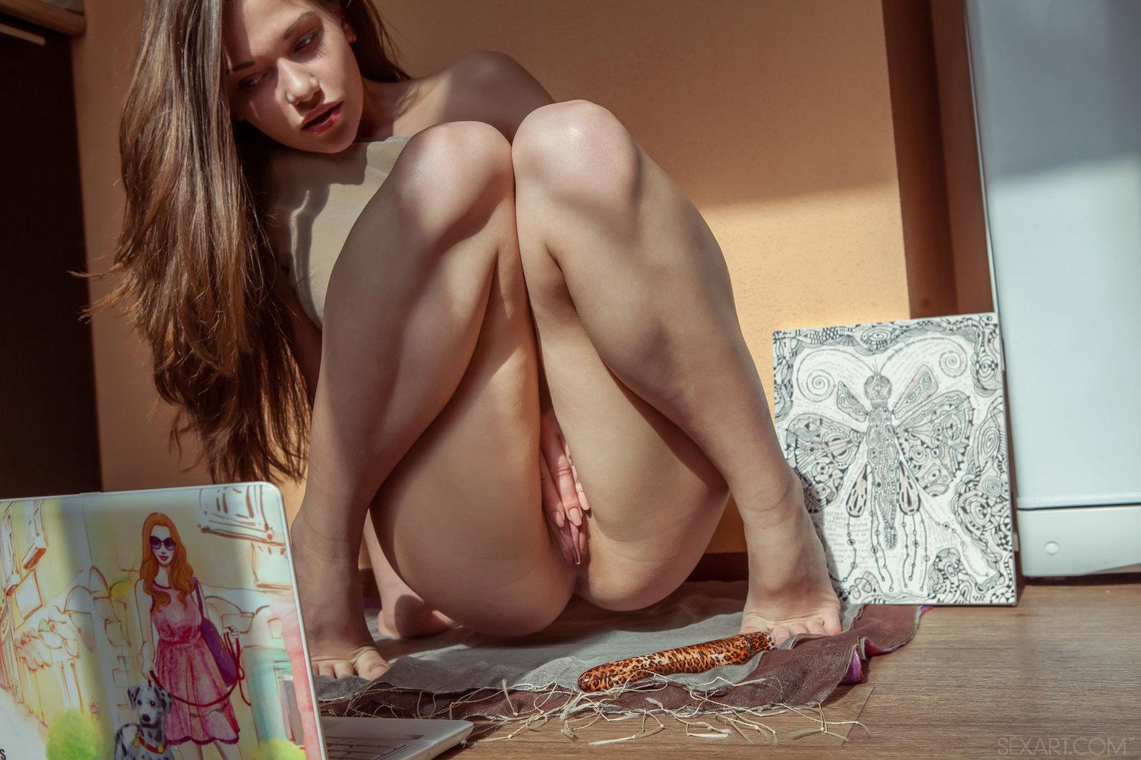 Zdjęcie porno - 051 - Niunia przed kamerką