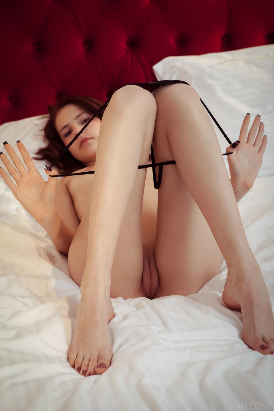 Zdjęcie porno - 125 - Ruda w czarnej bieliźnie