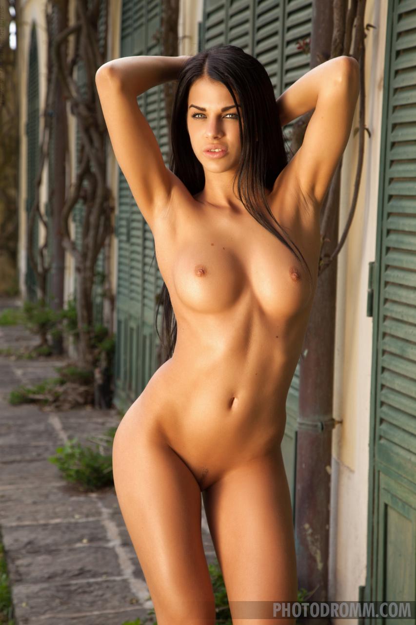 Zdjęcie porno - 1025 - Lala w czarnych stringach