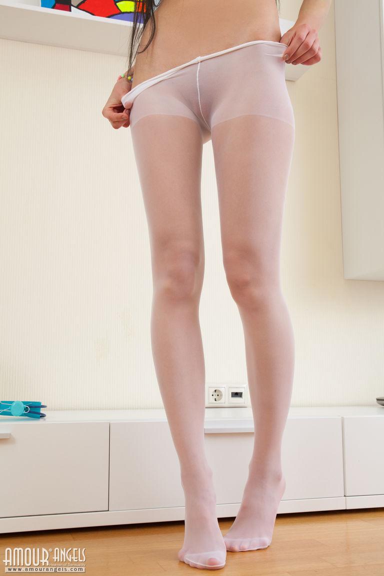 Zdjęcie porno - 0618 - Małą dupcia i różowa szparka