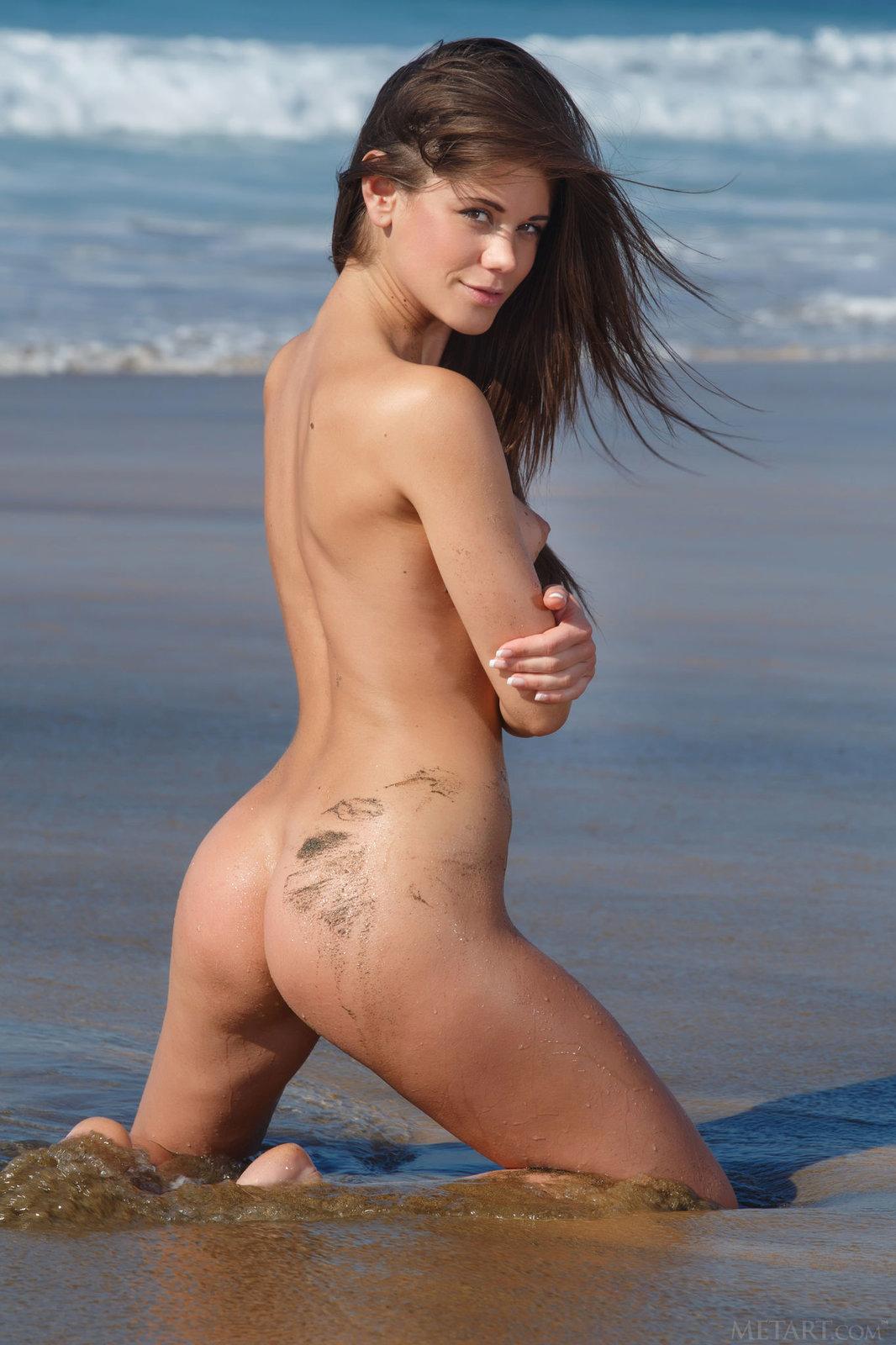 Zdjęcie porno - 1023 - Mokra brunetka