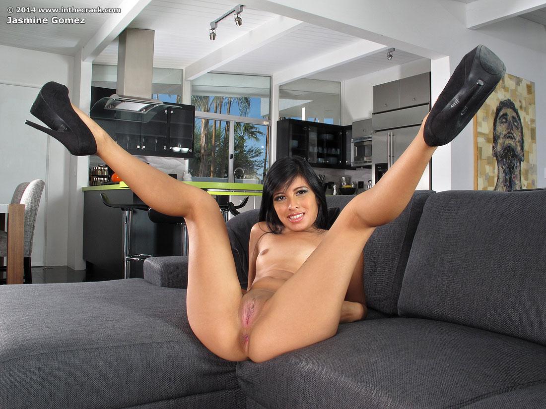 Zdjęcie porno - 106 - Zaprezentowała obie dziureczki