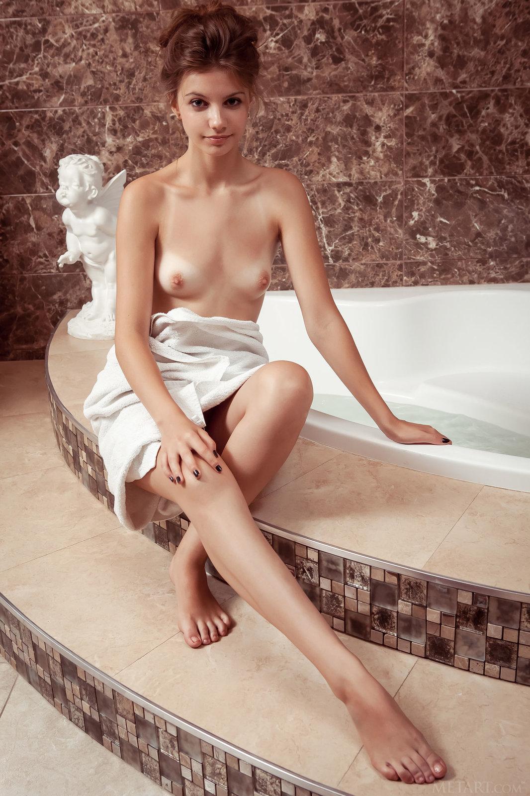 Zdjęcie porno - 022 - Kusząca niunia w łazience